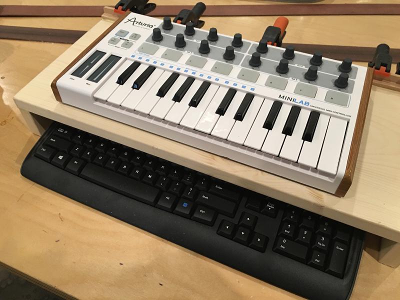 keyboard-riser